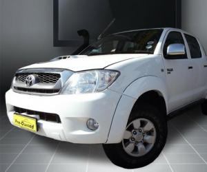 Toyota Hilux Double Cab 2.5 D-4D 4x4 photo 16