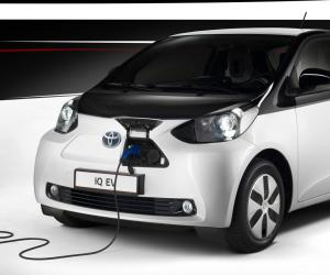 Toyota iQ EV photo 5
