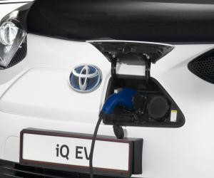 Toyota iQ EV photo 7