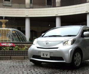 Toyota iQ EV photo 9