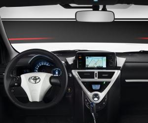 Toyota iQ EV photo 11
