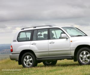 Toyota Land Cruiser 100 photo 4