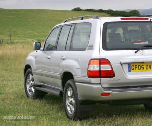 Toyota Land Cruiser 100 photo 5