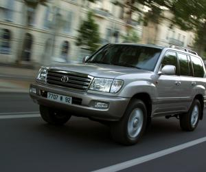 Toyota Land Cruiser 100 photo 6