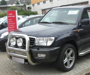 Toyota Land Cruiser 100 photo 10