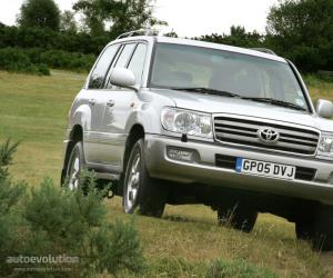 Toyota Land Cruiser 100 photo 13