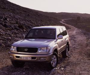 Toyota Land Cruiser 100 photo 14