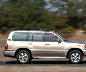 Toyota Land Cruiser 100 photo 16