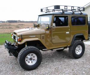 Toyota Land Cruiser FJ40 photo 1