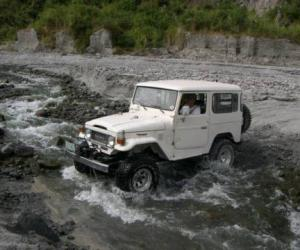 Toyota Land Cruiser Travel photo 1