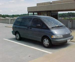 Toyota Previa photo 1