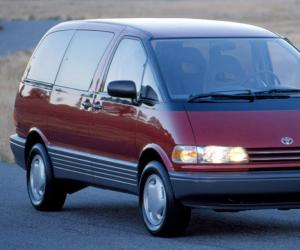 Toyota Previa photo 18
