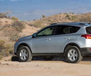Toyota RAV4 photo 9