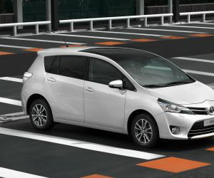 Toyota Verso photo 4