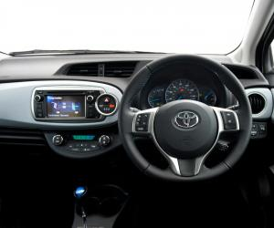Toyota Yaris photo 12