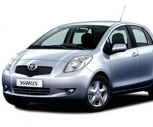 Toyota Yaris photo 14