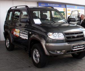Uaz Patriot photo 1