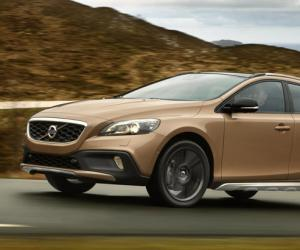 Volvo V40 Cross Country photo 1