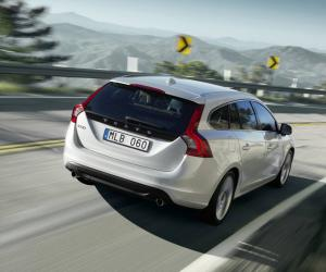 Volvo V60 Plug-in-Hybrid photo 14