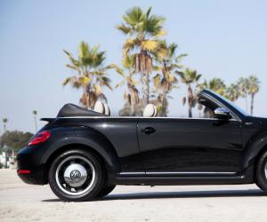 VW Beetle Cabrio photo 8