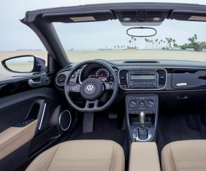 VW Beetle Cabrio photo 16