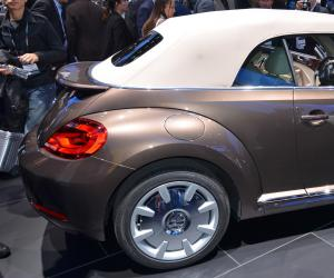 VW Beetle Cabrio photo 18