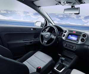 VW Cross Golf photo 7