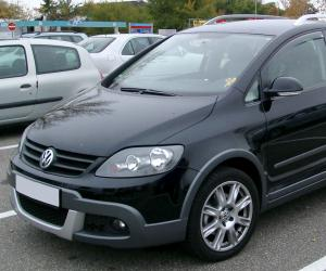 VW Cross Golf photo 9