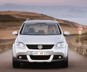 VW Cross Golf photo 14
