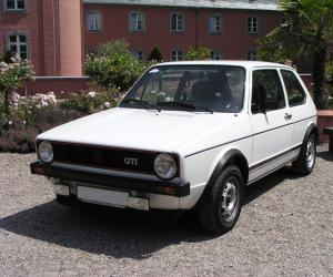 VW Golf 1 photo