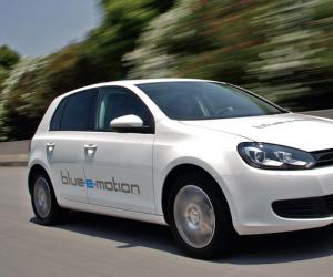 VW Golf blue-e-motion image #13