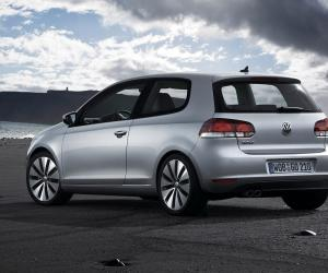 VW Golf Coupe photo 7