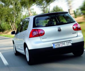 VW Golf Plus BlueMotion photo 15