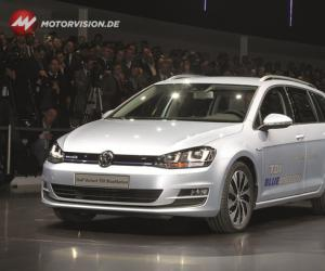 VW Golf Variant BlueMotion image #16