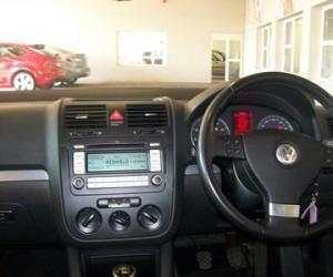 VW Jetta 2.0 FSI photo 11