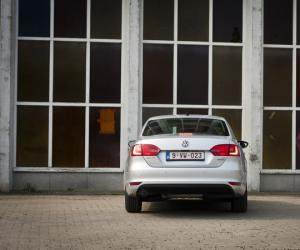 VW Jetta BlueMotion image #12