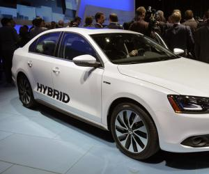 VW Jetta Hybrid photo 2