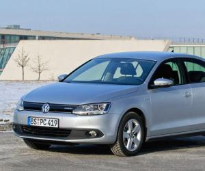 VW Jetta Hybrid photo 11
