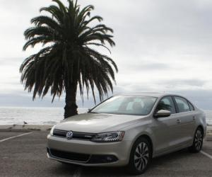 VW Jetta Hybrid photo 12