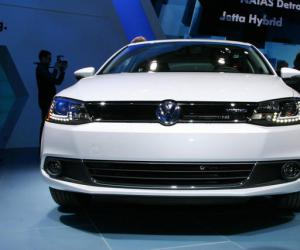 VW Jetta Hybrid photo 13