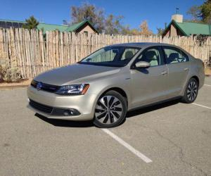 VW Jetta Hybrid photo 14