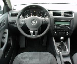VW Jetta TSI photo 3