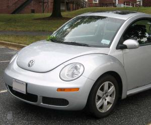 VW New Beetle photo 2