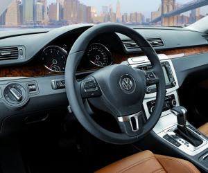 VW Passat photo 17
