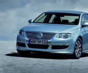VW Passat BlueMotion photo 3