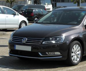 VW Passat BlueMotion photo 9