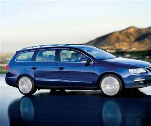 VW Passat BlueMotion photo 16