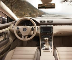 VW Passat CC photo 9