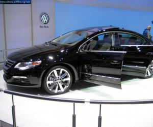 VW Passat CC photo 16