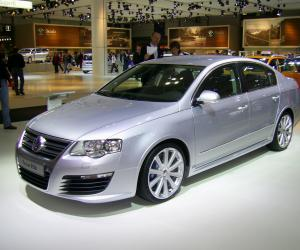 VW Passat R36 photo 1